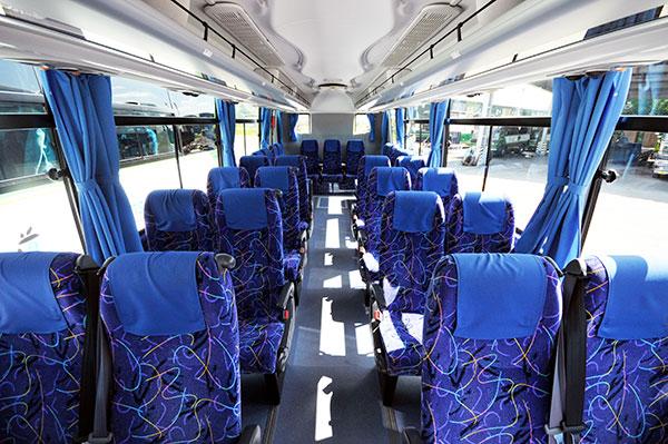 中型バス客室